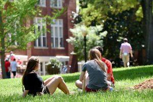 Kosova Üniversitesi Eğitim Dili